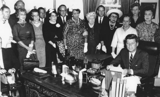 equal pay act 1963 Equal pay act of 1963 an act to prohibit discrimination on account of sex in the payment of wages by employers engaged in commerce or in the production of goods for commerce.